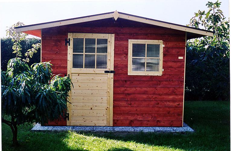 Casetta in legno vendita montaggio casette legno negozio for Casette con portici