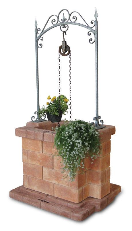 Pozzo in cemento colorato siena for Pozzi finti per giardino